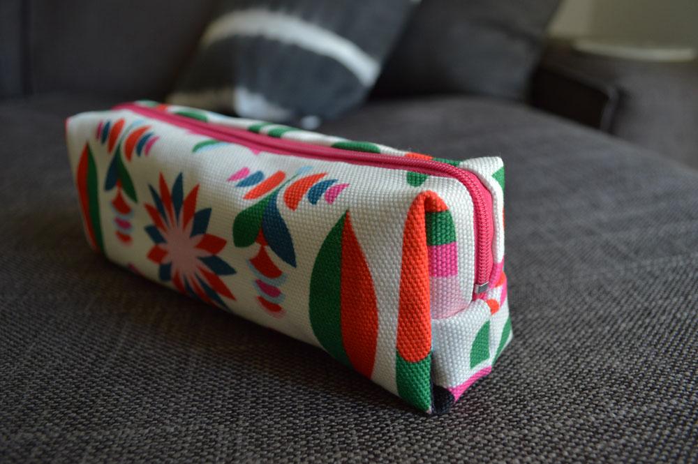 D I Y Tutorial Make Your Own Cosmetic Bag Hannah Trickett