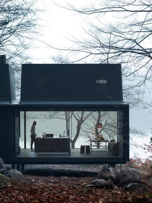 vipp_shelter_glass_walls_emmas_designblogg_5492ff7eddf2b325a1caf30e