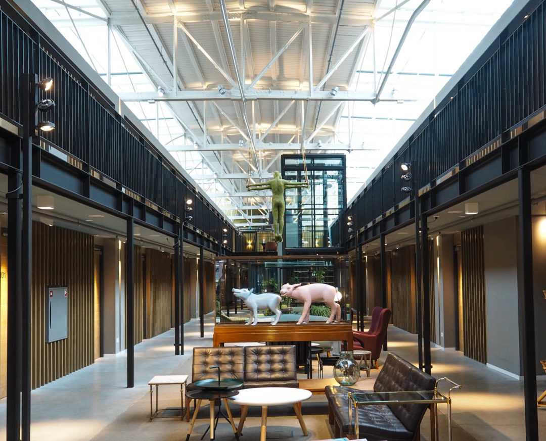 Design hotel amsterdam hotel de hallen hannah in the house for Design hotels amsterdam