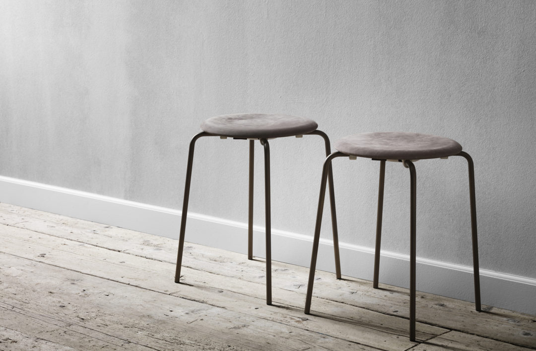Simple and minimal stools