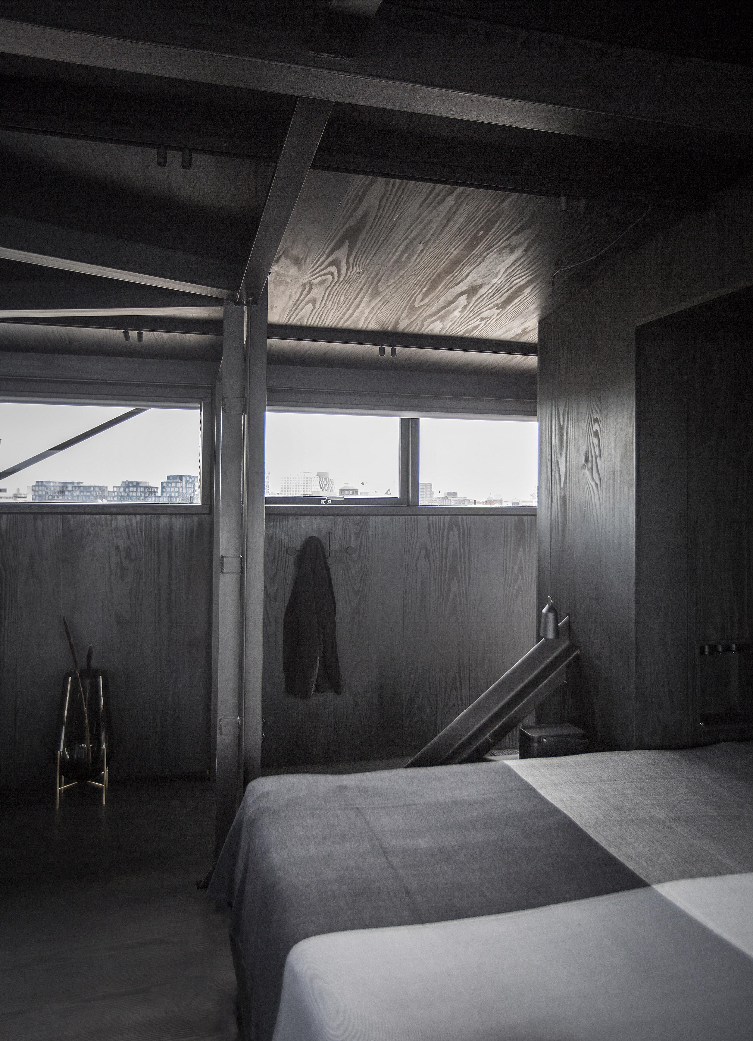 The Krane Copenhagen. A unique design hotel with a dark minimal interior