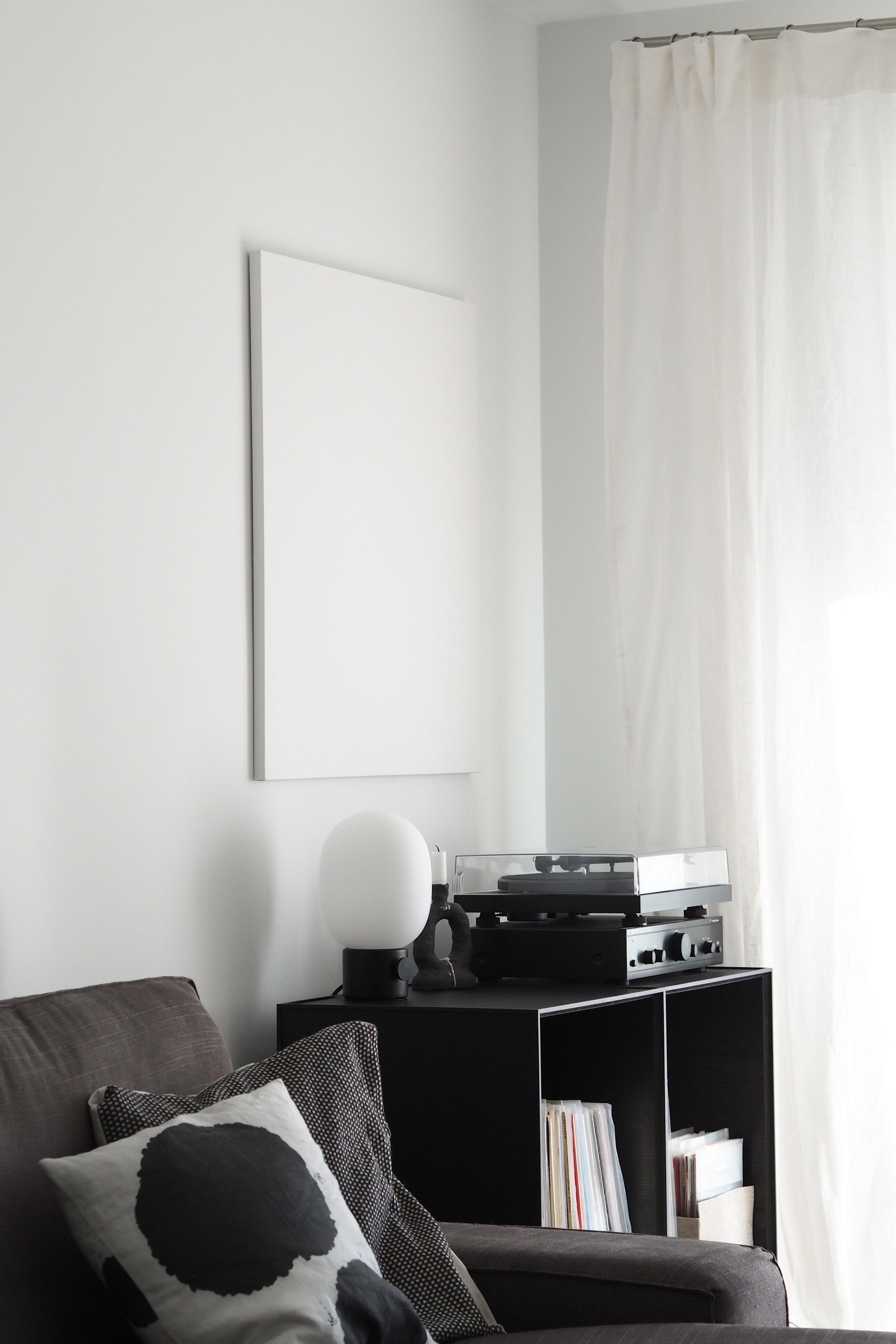 frame sideboard byLassen