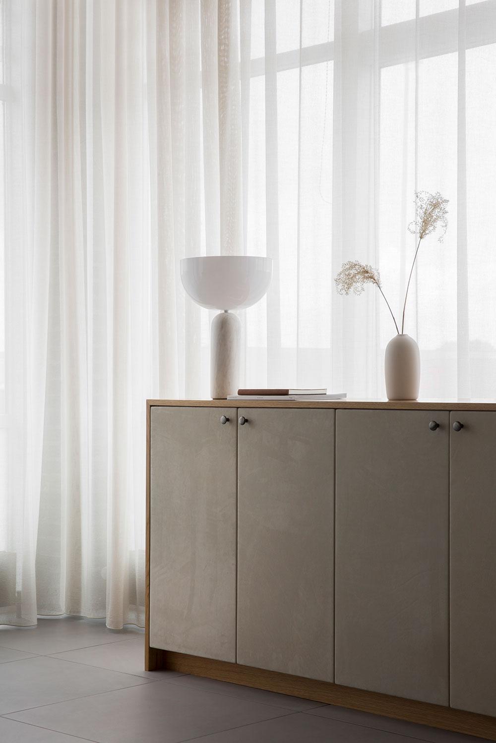 Soft minimalism interior at Sørensen Leather's new HQ in Aarhus